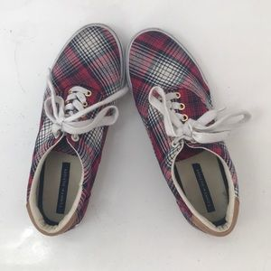 2cf65036e11c Tommy Hilfiger 10M Plaid Lace Up Shoes